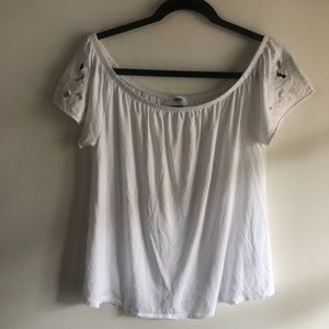 Old Navy off the shoulder white tee